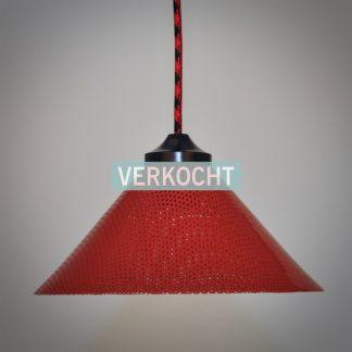 Vintage hanglamp in knalrood uit de jaren 70 met nieuwe elektra en rood zwart stofsnoer