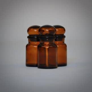 Bruine brocante apothekerspotten