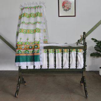 Vintage wieg retro schommelwieg bohemien babybedje babykamer